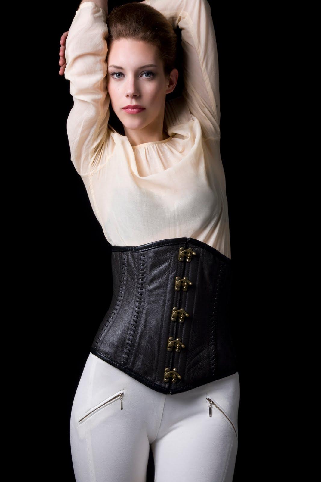 fashion stylist sydney le magazine issue four le femme fatale shoot no1 fatale instinct. Black Bedroom Furniture Sets. Home Design Ideas