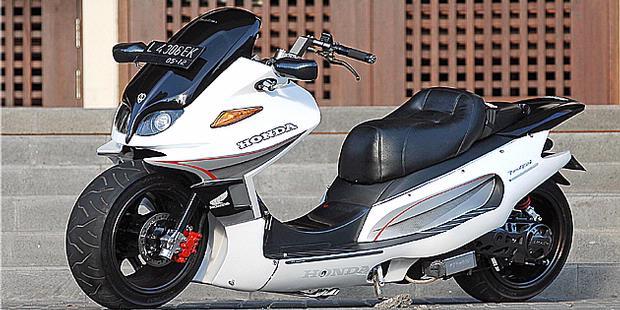 next modification car and motorcycle sport: modifikasi honda vario