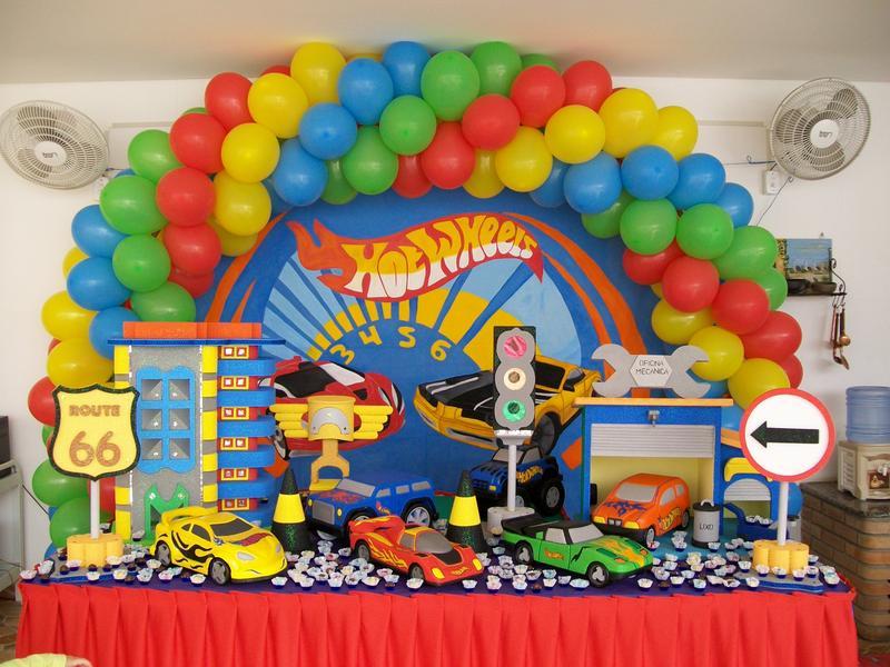 decoração hot whells festa infantil