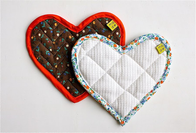 heart bias tape hotpads diy tutorial sew hotpad shaped potholder pattern cheating oven way mitt attaching proper pads pot everyday