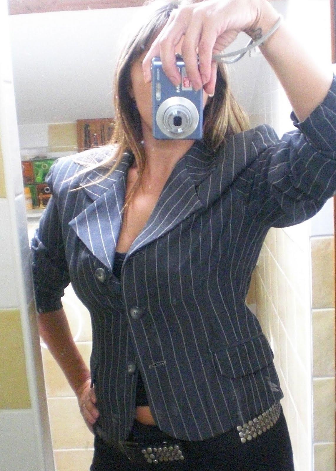 miss coco vide son dressing montpellier h rault 34 veste grise t 40. Black Bedroom Furniture Sets. Home Design Ideas