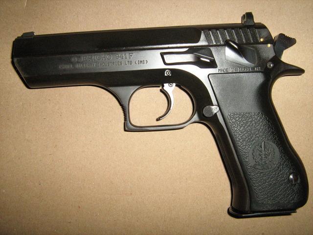 Pistola jericho 941 baby eagle armas de fuego - Pistola para lacar ...