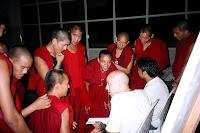 aulamonges - Um Economista Brasileiro entre Monges Tibetanos