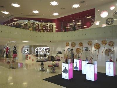 ecole superieure de visual merchandising flagship store barbie shanghai. Black Bedroom Furniture Sets. Home Design Ideas
