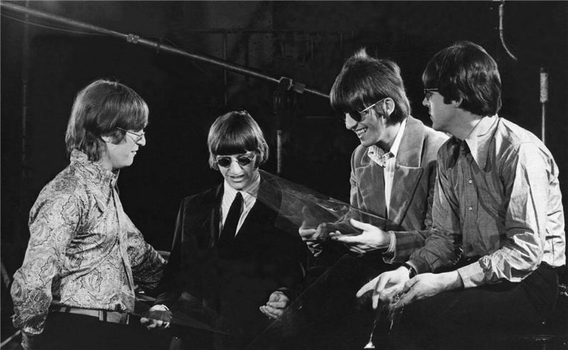 Ashen Lady Stones Vs Beatles