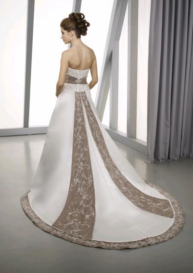 Classy And Elegant Black And White Flooring Design Ideas: Smart Wedding Ideas: Classy And Elegant Wedding Gown