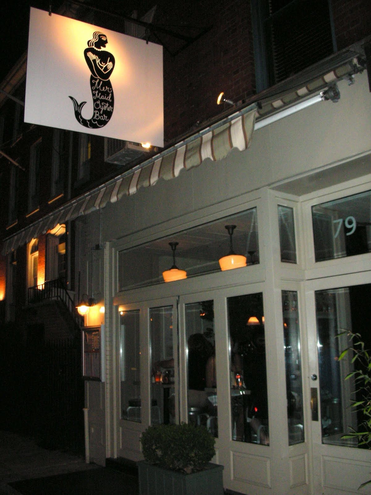 The Hungry Roach: Mermaid Oyster Bar