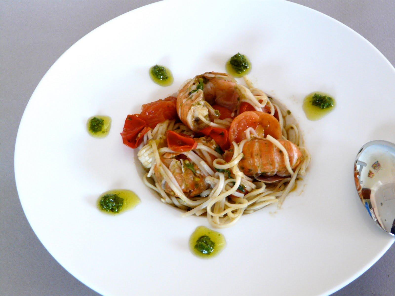 spaghetti pesto langoustines et tomates cerise recette. Black Bedroom Furniture Sets. Home Design Ideas