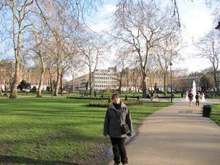De paseo por los Russell Square Gardens, Londres