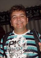 http://4.bp.blogspot.com/_2RP4v5dsw9k/ScKIKDU3_tI/AAAAAAAABGw/cBl4o5ydpCA/s200/Z%C3%A9+Renato.jpg