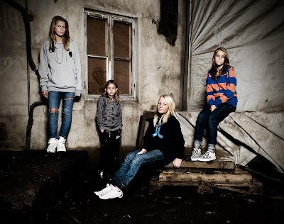 f21d5629 Tøffe jenter - undomsbilder - kule jenter - Kaldnes - tøffe bilder - Fotograf  Trine Bjervig