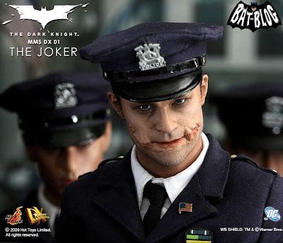 Hot Toys Joker Cop 61