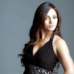 Neetu Chandra defends Apartment bathing scene