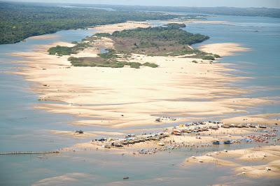 Resultado de imagem para rio araguaia praia do caldeirão em conceição do araguaia