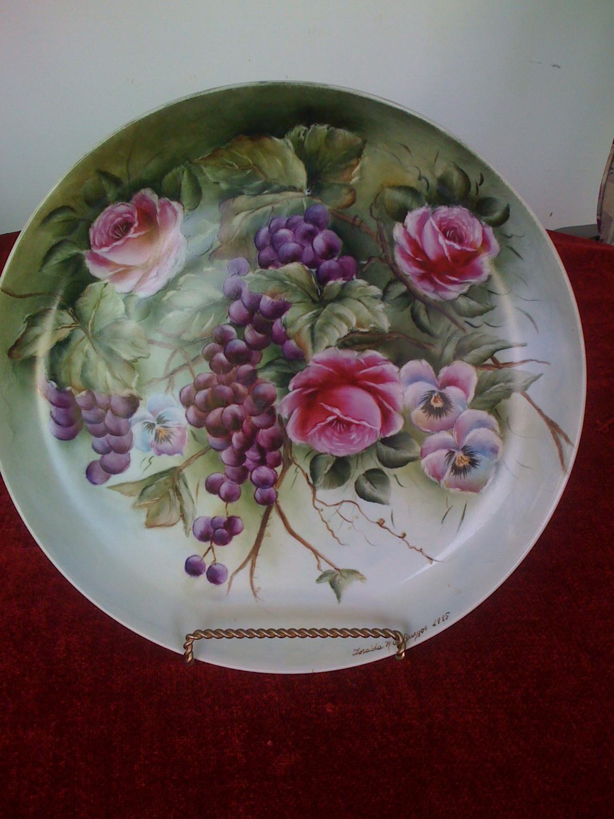 Yilda Burgos pintura sobre porcelana Yilda Burgos Pintura