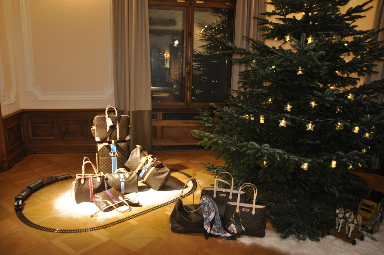 You Are Best Dressed Louis Vuitton Christmas Collection 2010
