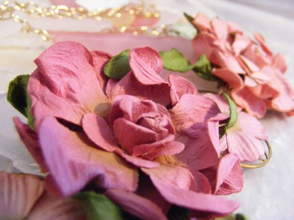 pink paper flower necklace detail