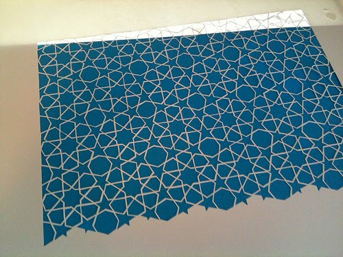 blue background and white stars paper cutting