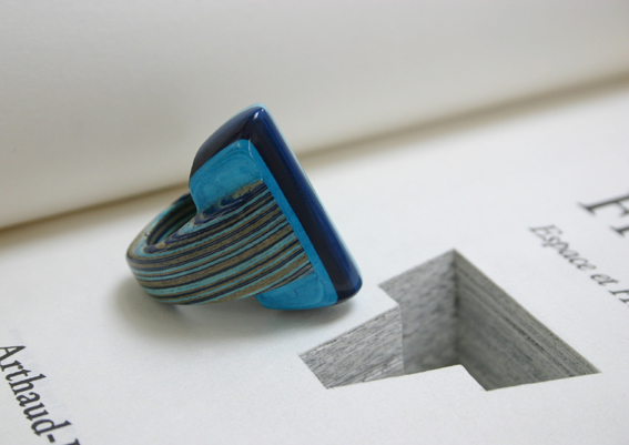 striped paper ring in shades of blue