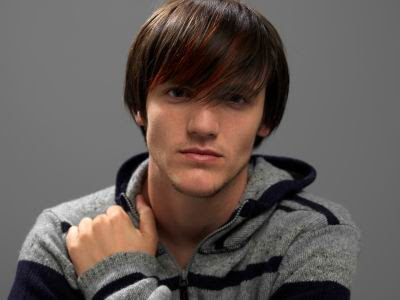 shaggy hairstyles men - Brown Highlights