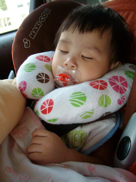 Mommy Sew Pretty Neck Pillows