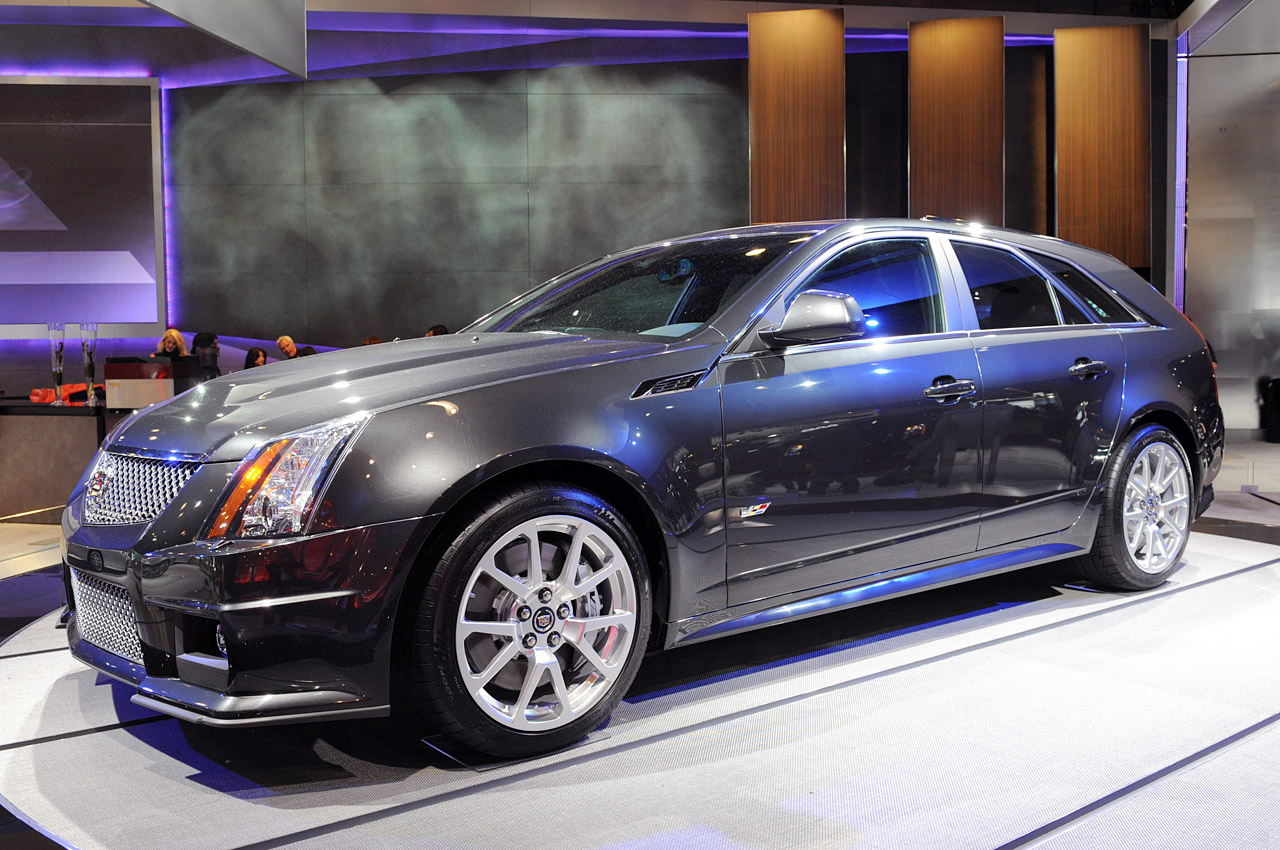 looks like a car 2011 cadillac cts v sport wagon is fantasy writ large 2010 new york live pictures. Black Bedroom Furniture Sets. Home Design Ideas