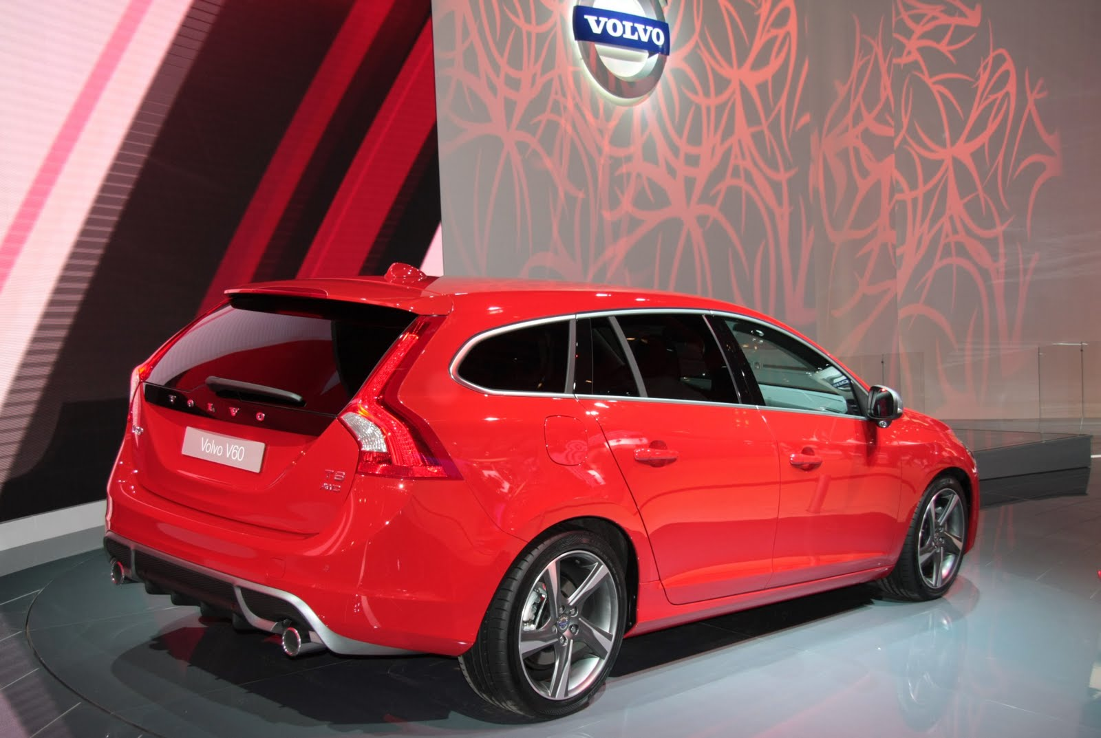 Garage Auto Paris Paris Motor Show 2010 Volvo V60 Live More Aesthetic Than Practical