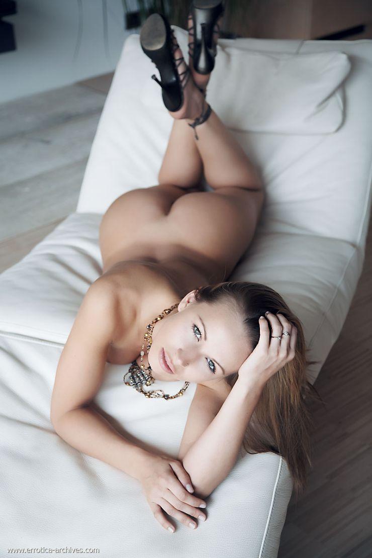 Zuzana Light Nude 77