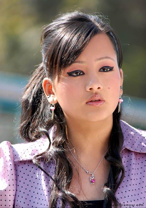 nepali beautiful girl photo