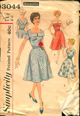 f156298d788 I wrote to Simplicity Patterns to try to get the inside scoop of the