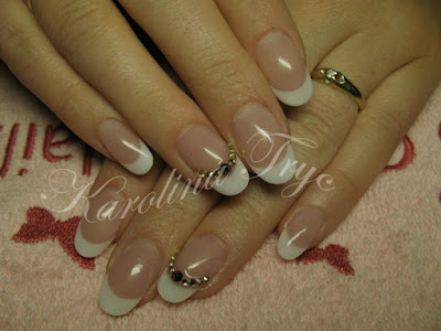 Gel Nails - Get the Latest Selection of Colored UV Gels-3