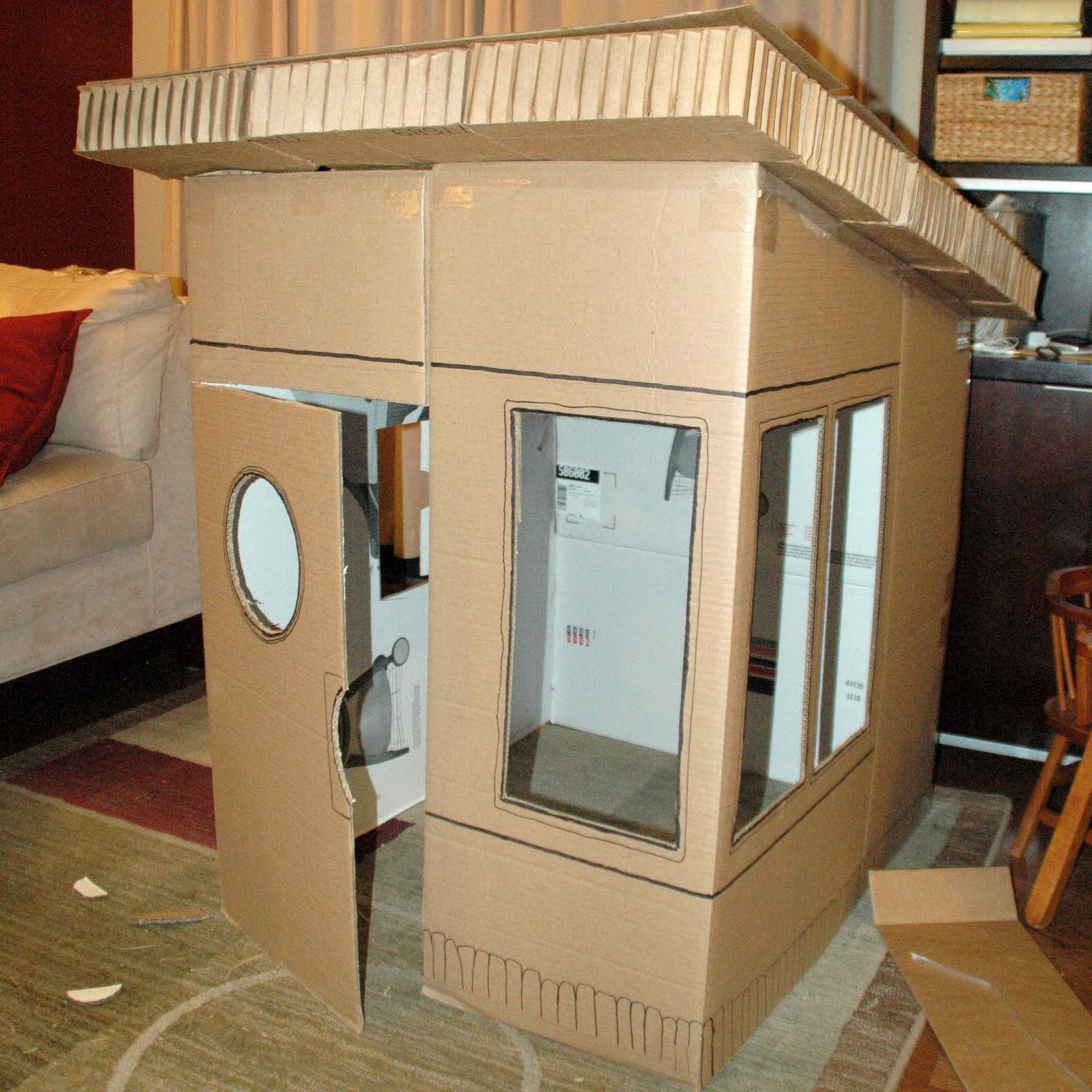Mom's Daily Adventures!: DIY Cardboard Playhouse