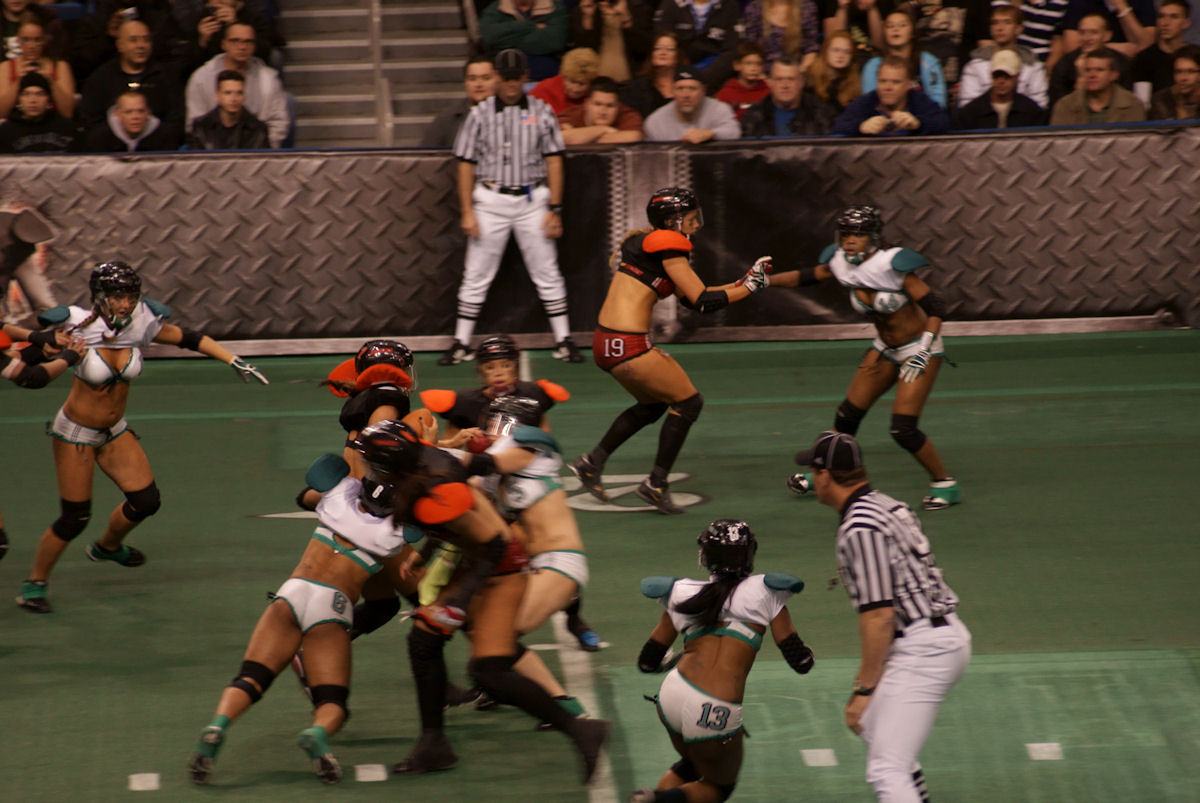 Valder's Musings: One of my new fave sports, the LFL