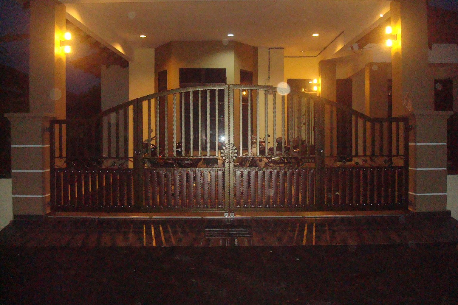 Wrought Iron Gate Grill Vol