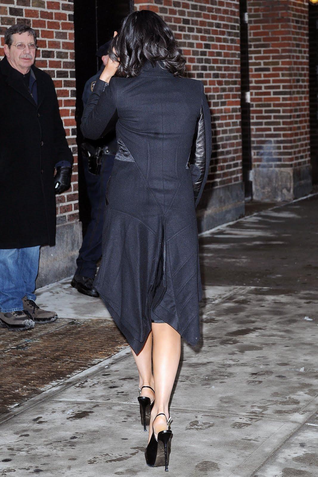 Celebrity Whereabouts Olivia Munn Outside The Ed Sullivan