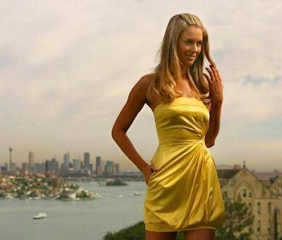 Eyedeal Makeup: Cinderella Dressed in Yellow...