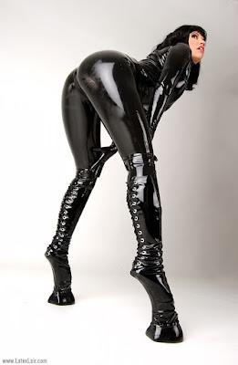 Moda ponygirl