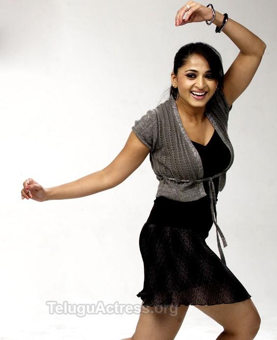 Anushka: Anushka In Singam Tamil And Yamudu Telugu Movie
