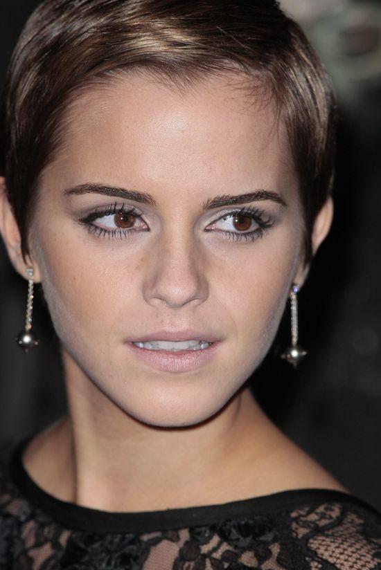 Popular Earrings: Studs Earrings Emma Watson at the Odeon ...