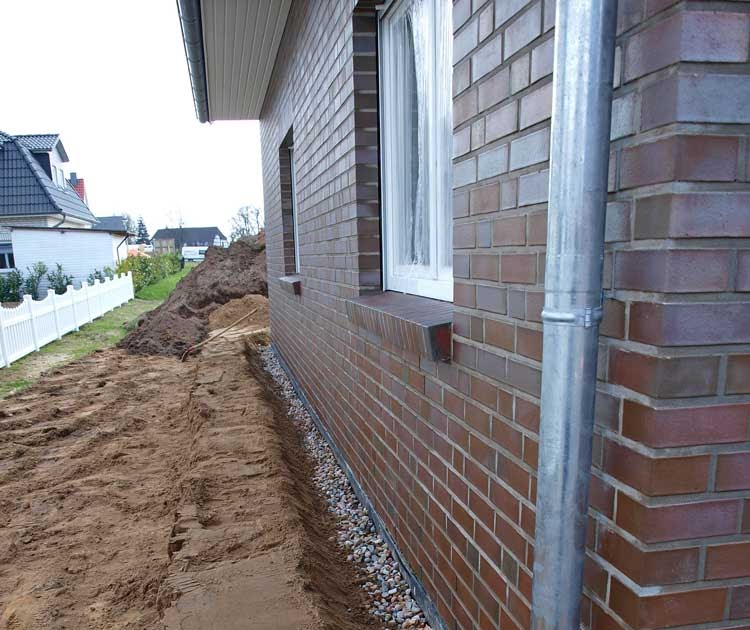 Häufig Bericht von der Baustelle: Drainage und Ganzkörper-Massage fürs Haus SJ15