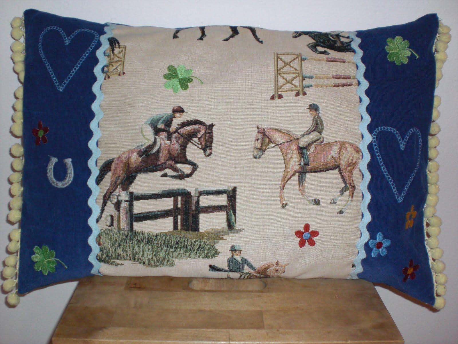schnickschnack farbenfroh pferde kissen. Black Bedroom Furniture Sets. Home Design Ideas