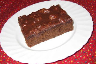 Chocolate Buttermilk Sheet Cake / www.delightfulrepast.com