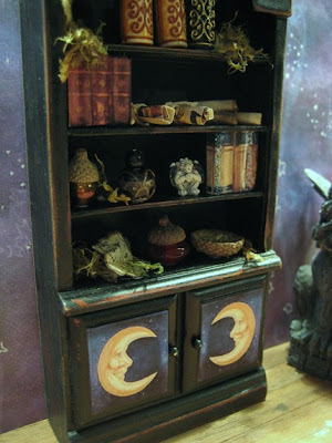 Here Is A Lovely Set Of Pumpkin Displays By Golden Unicorn Miniatures That Could