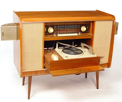 m o d e r n f r o s t july 2010. Black Bedroom Furniture Sets. Home Design Ideas