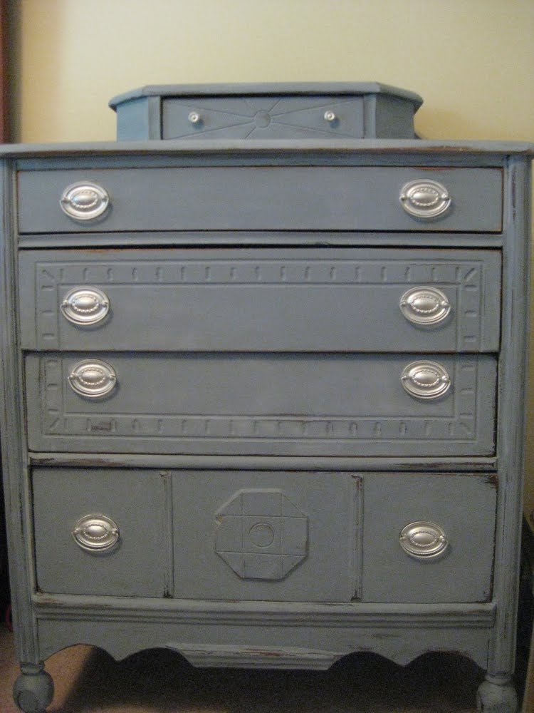 Distressed Gray Bedroom Furniture Design Blogmetro