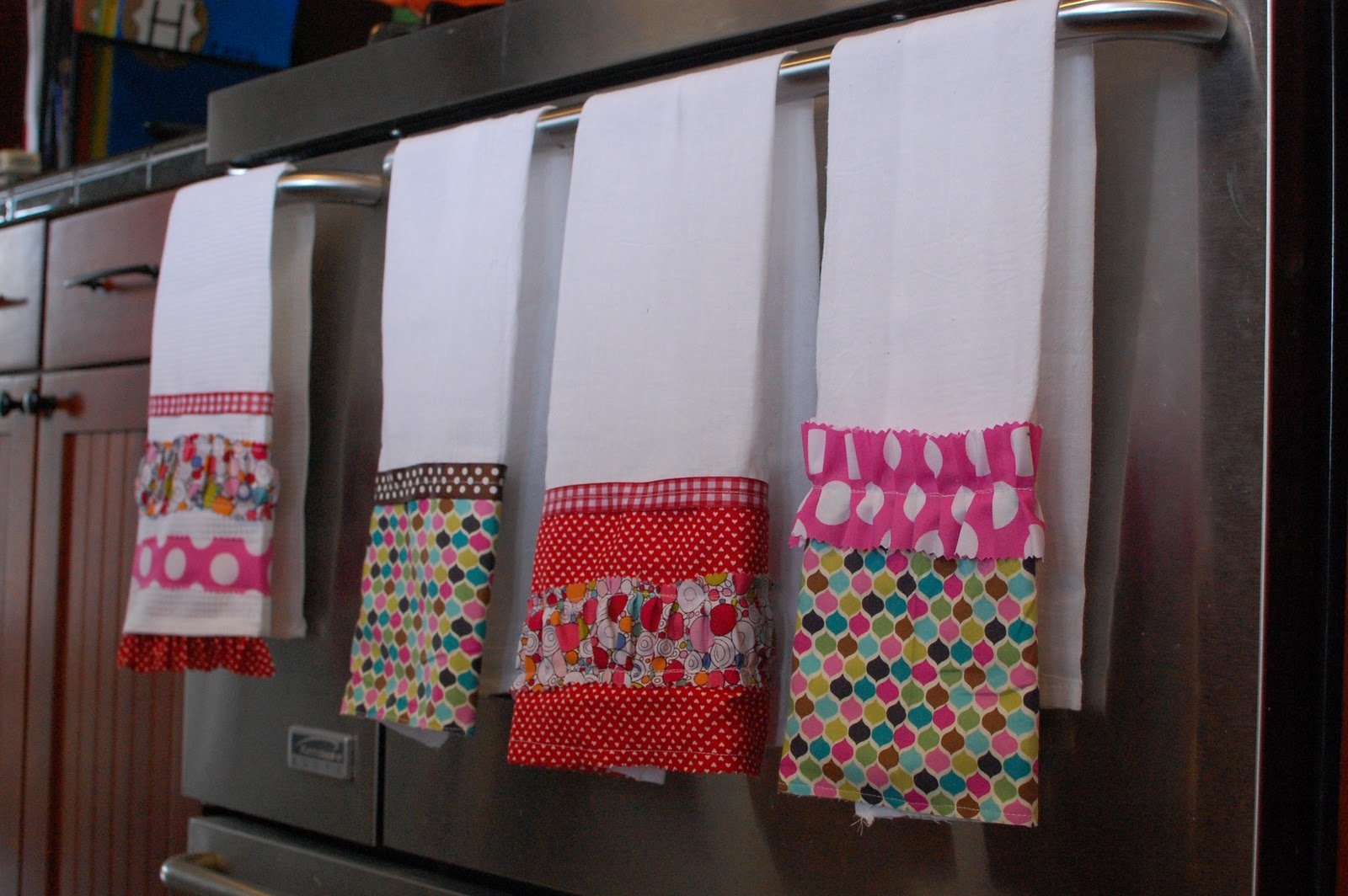 Random Thoughts Supermom Valentine Dish Towels Giveaway