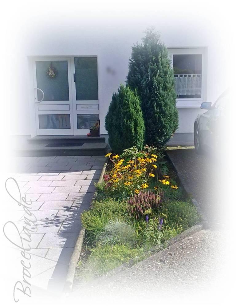 broceliandes gartentr ume umzugsaktion im vorgarten. Black Bedroom Furniture Sets. Home Design Ideas
