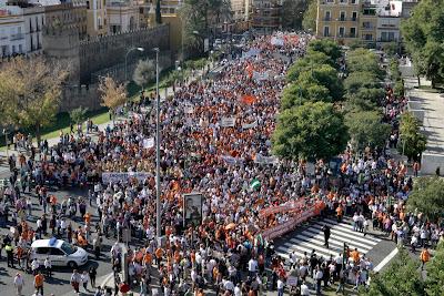 Resultado de imagen de manifestacion de funcionarios 13 de noviembre 2010