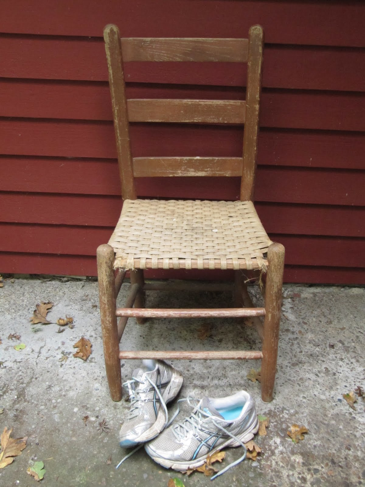old fashioned birthing chairs office chair without armrest singapore ed and reub friday my town shoot out