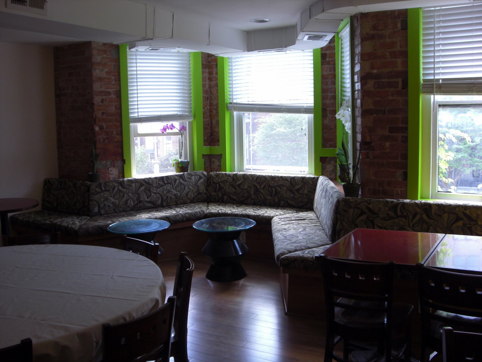 The 42 All Vegan Cafe Green Opens In Dupont